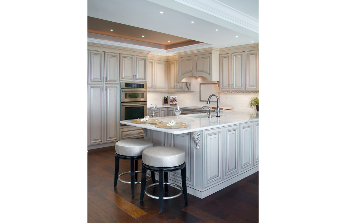 High Rise Hollywood - Kitchen by Wright Interior Group
