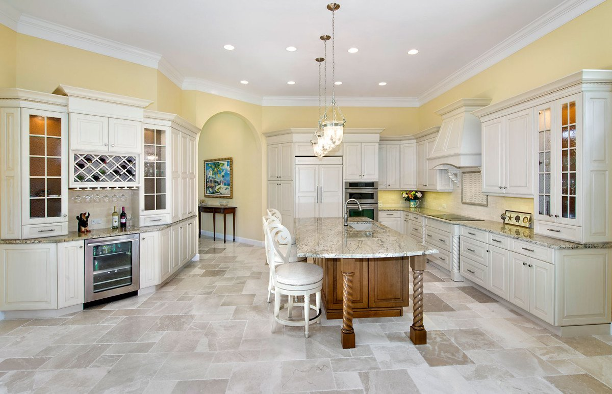 Refined Tradition - Kitchen by Wright Interior Group