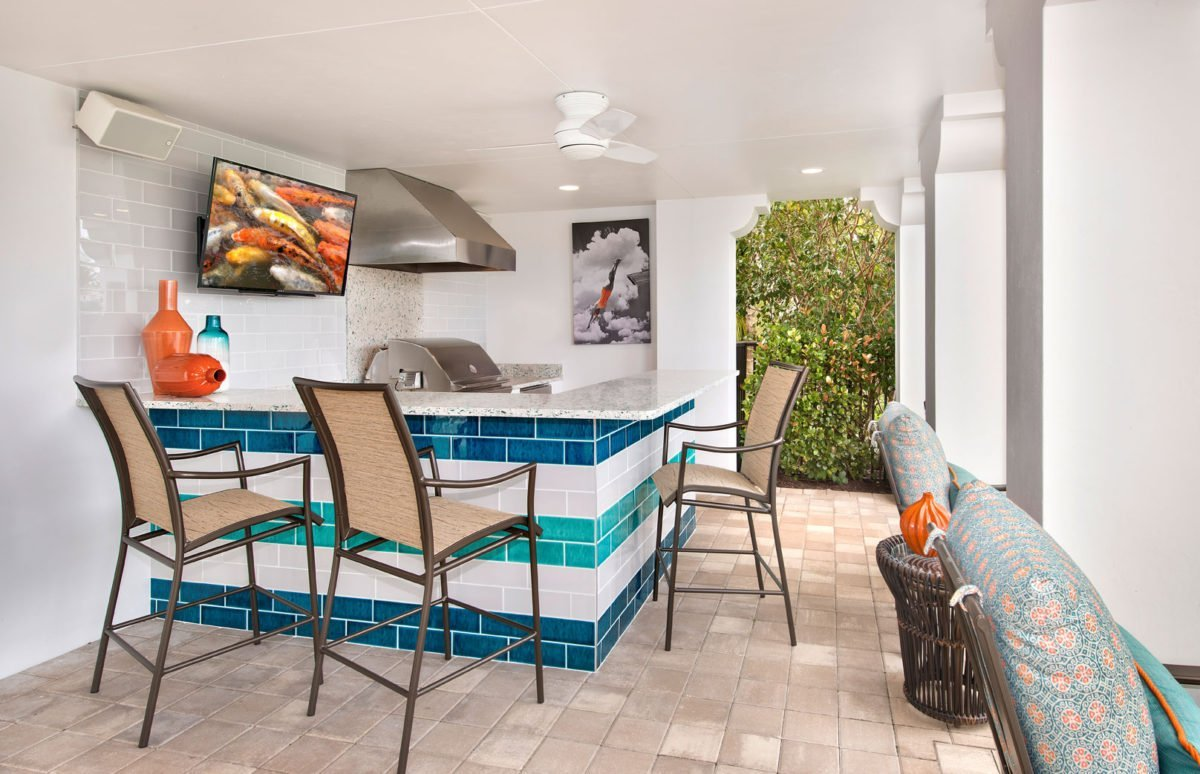 Bayfront Beautiful - Outdoor Bar by Wright Interior Group