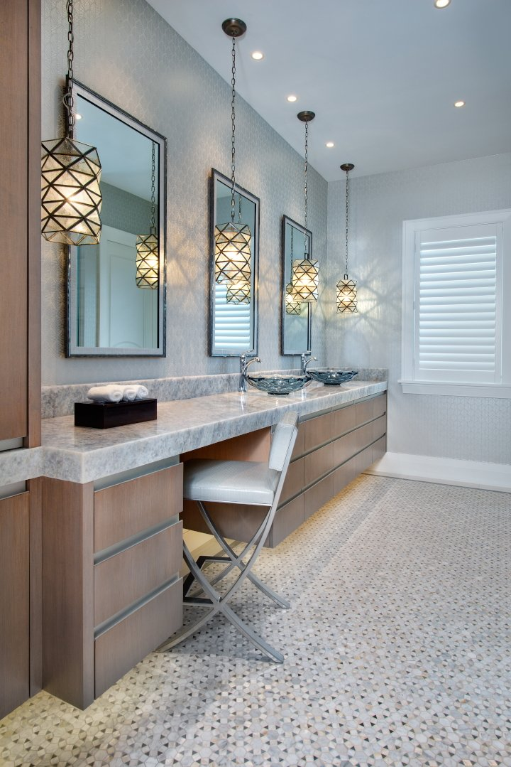 Regale Royal - Guest Bathroom