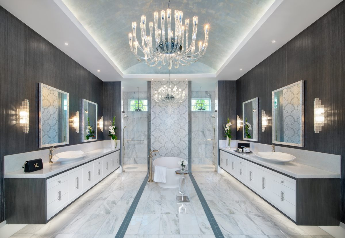 Regale Royal - Master Bathroom