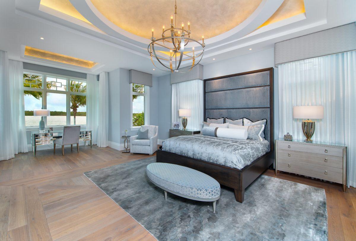 Regale Royal - Master Bedroom