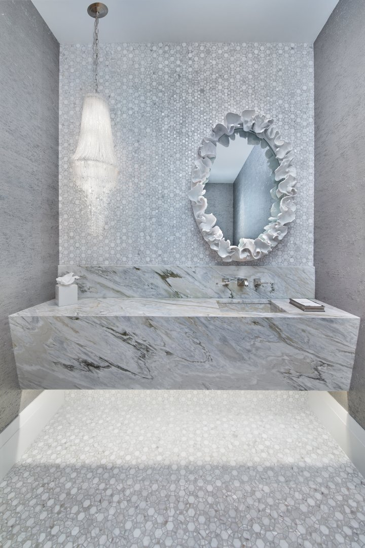 Regale Royal - Powder Room